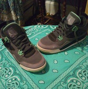 Retro Jordan's. Mint and grey.